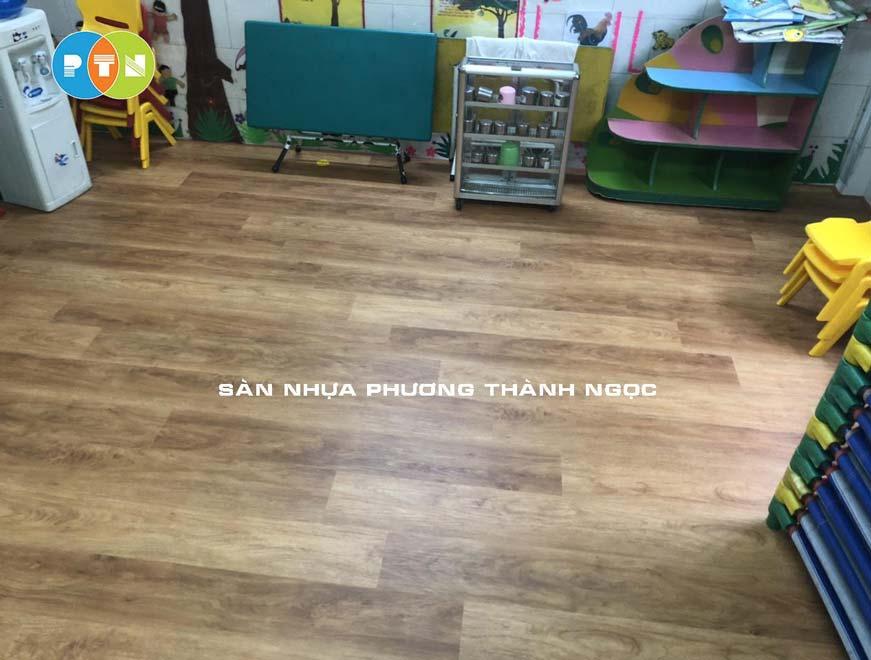 Thi công sàn nhựa hèm khóa SPC tại trường Mầm non Bông Mai