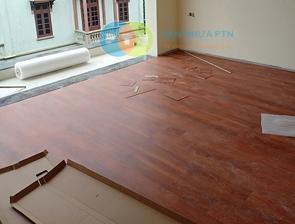 Thi công sàn nhựa hèm khóa nhà anh Trường - Long Biên, Hà Nội