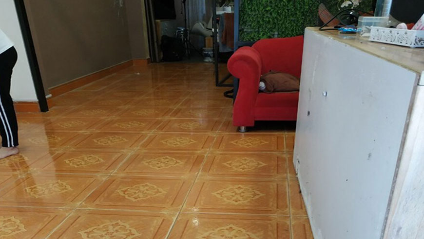xử lý nền nhà sạch trước khi thi công sàn nhựa