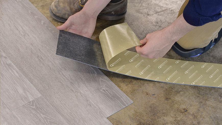 sàn gỗ nhựa tự dán