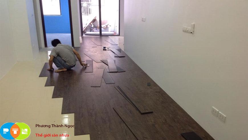 thi công sàn nhựa hèm khóa tại Láng Hạ