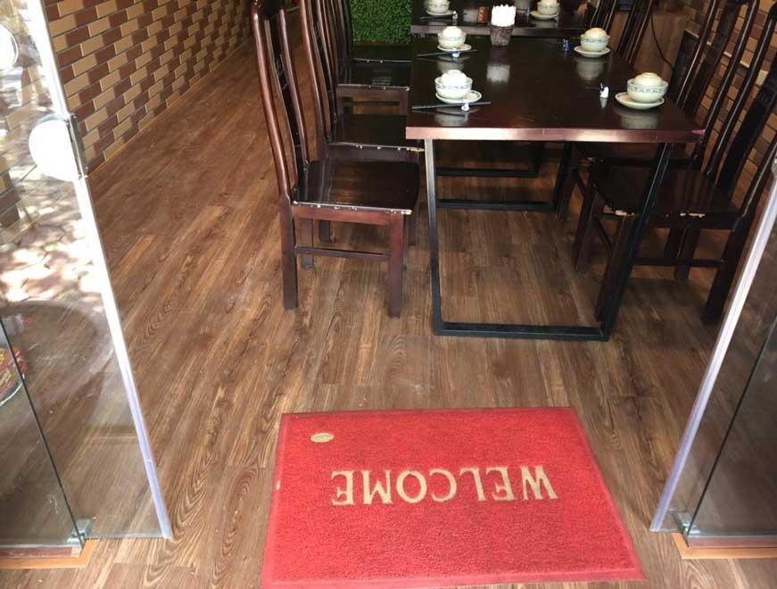 Thi công hoàn thiện sàn nhựa hẻm khóa nhà hàng Đại Việt
