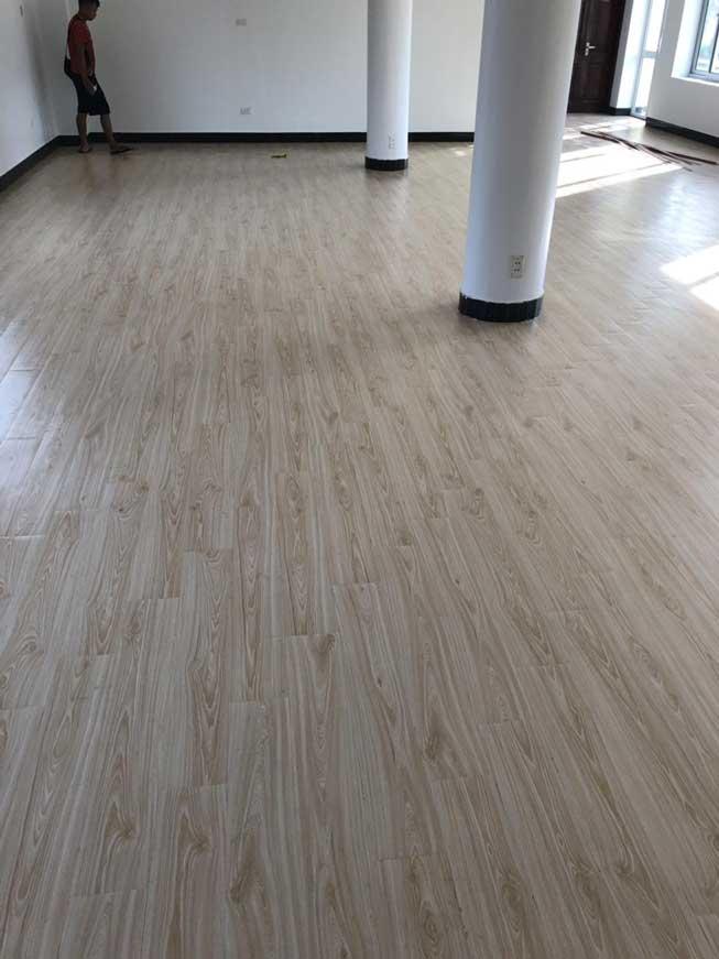 Thi công sàn dán tại trường mầm non ở Hưng yên 5