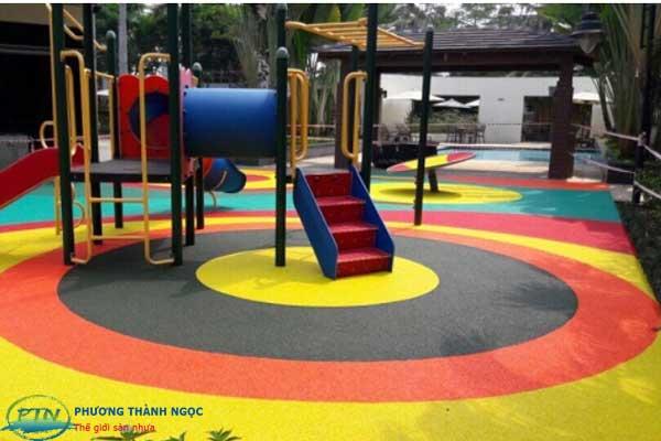 Sân chơi hạt cao su dành cho trẻ em