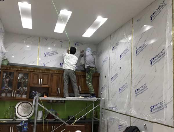 Thi công tấm ốp tường trong nhà